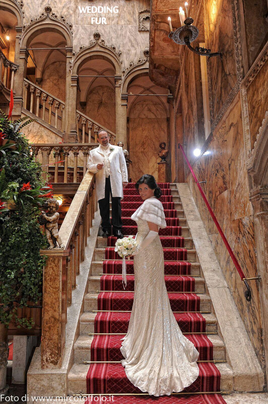 Свадьба в Венеции. Норковая накидка на платье