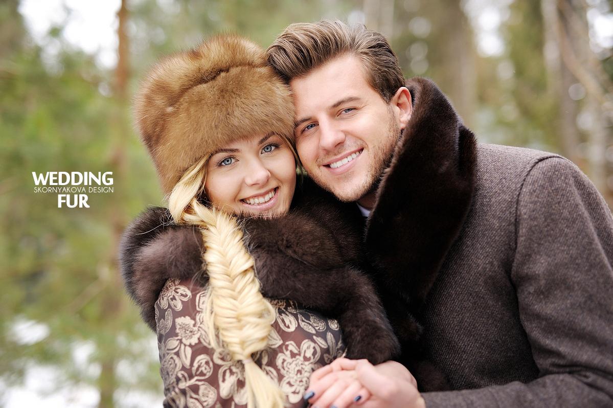 Свадьба в русском народном стиле: меховой шарф из норки и платок с мехом песца