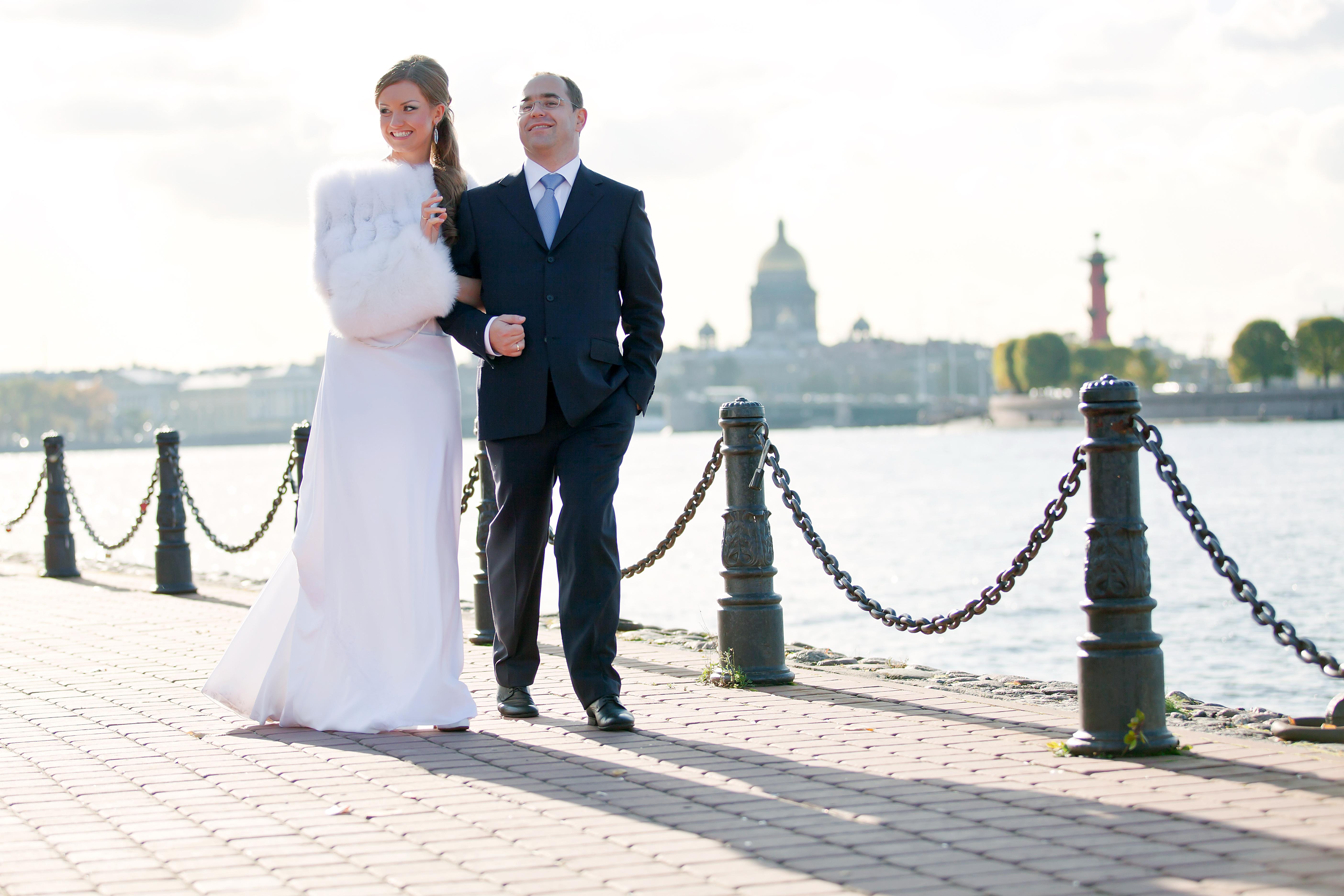 Накидки шубки горжетки пелерины напрокат купить Москва Wedding Fur