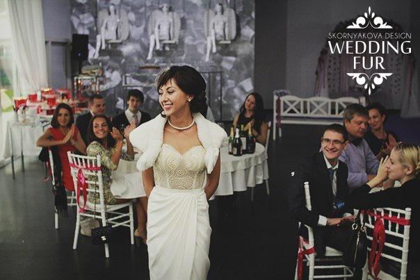 Свадебная накидка на свадебное платье купить