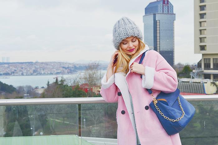 Нежный цвет пальто