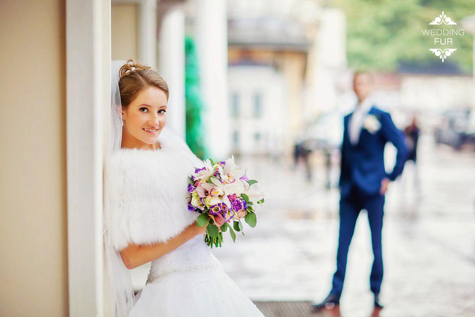 Купить свадебную накидку из меха меховую