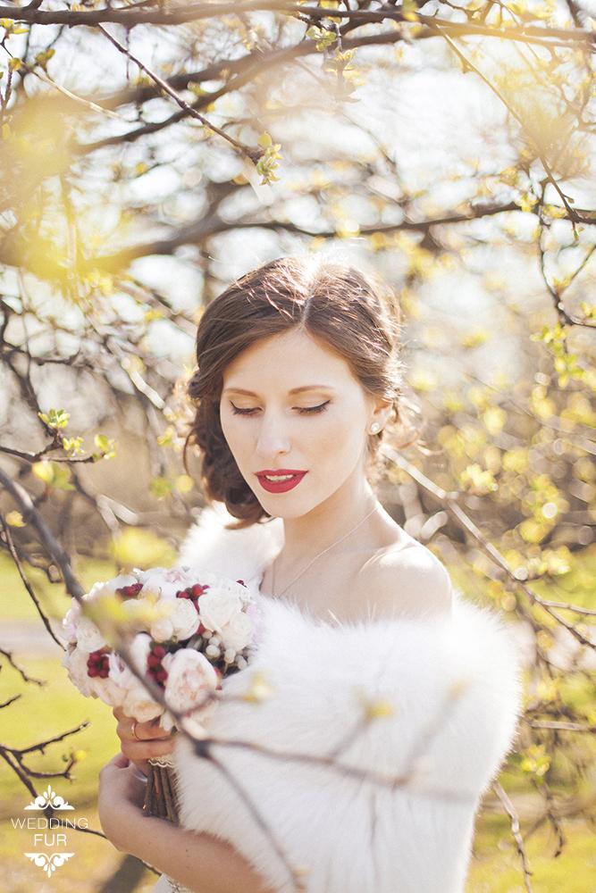Свадебные летние накидки из меха купить на платье