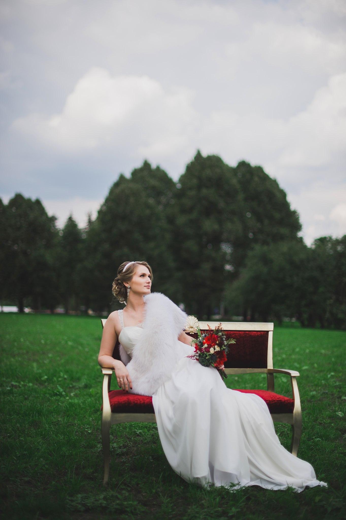 Свадебная накидка на платье для невесты